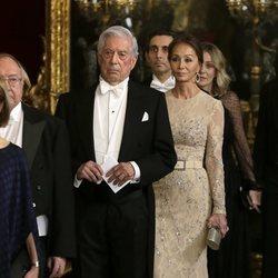 Mario Vargas Llosa e Isabel Preysler en la cena de gala al Presidente de Perú