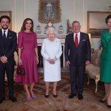La Reina Isabel y la Princesa Ana con los Reyes Abdalá y Rania y su hijo Hussein de Jordania