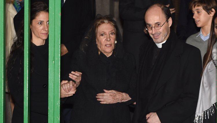 Pitita Ridruejo en el funeral de su marido Mike Stilianopoulos