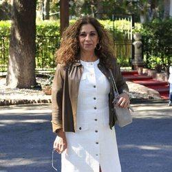 Lolita Flores llegando al restaurante tras el bautizo de su nieto Noah