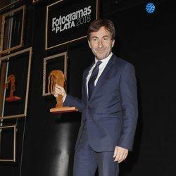 Antonio de la Torre con su premios Fotograma de Plata 2018