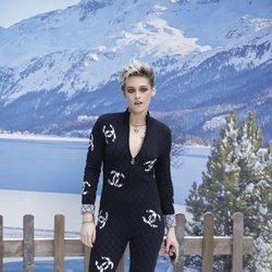 Kristen Stewart en el front row del desfile de Chanel otoño/invierno 2019/2020 en París