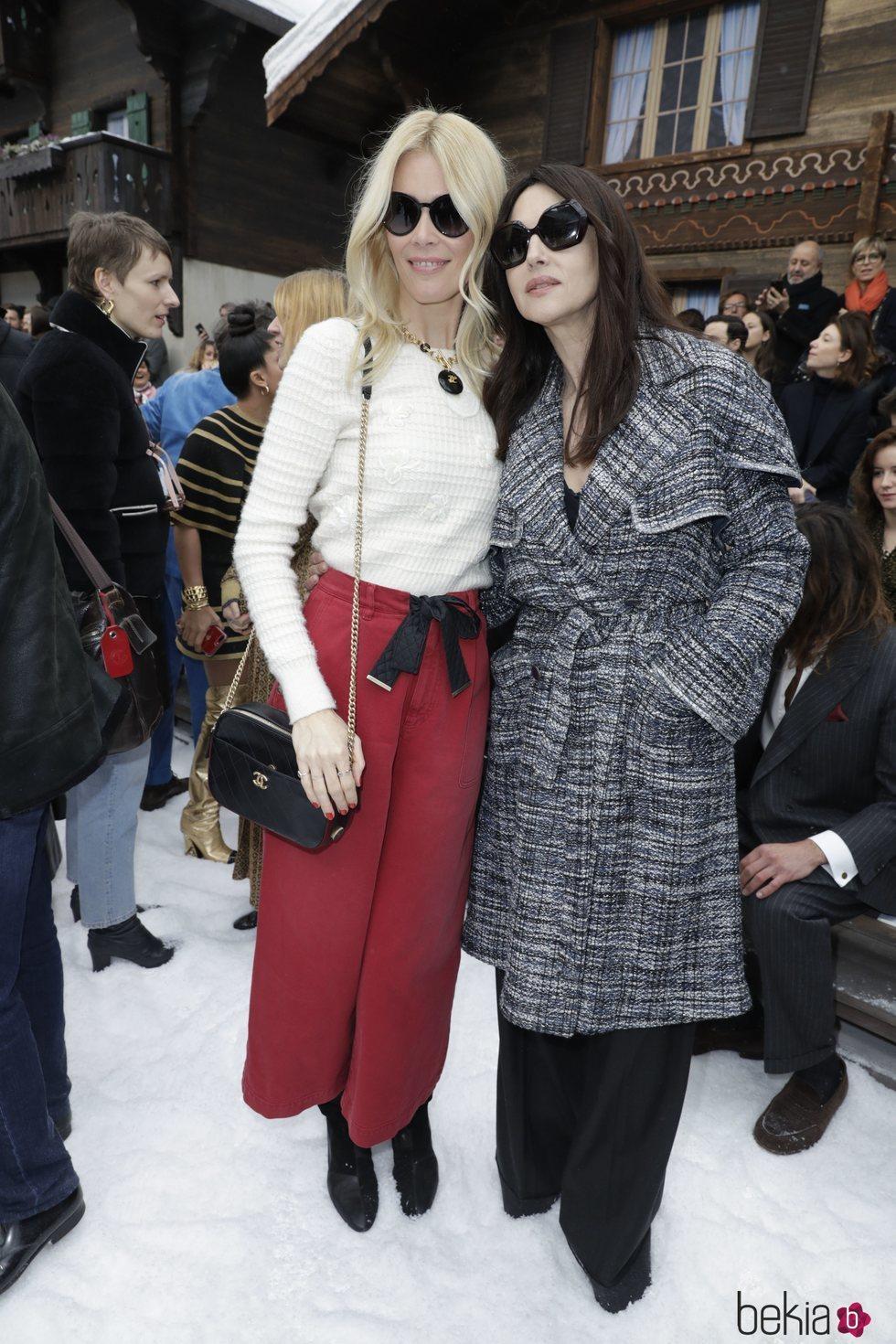 Claudia Schiffer y Monica Bellucci en el front row del desfile de Chanel otoño/invierno 2019/2020 en París