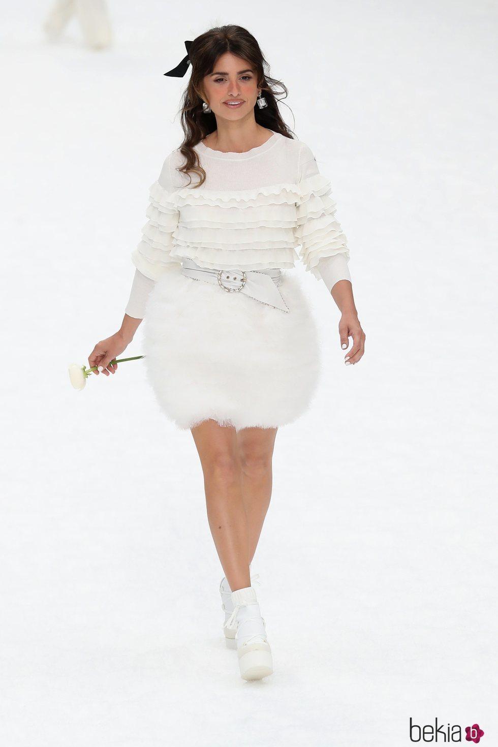 Penélope Cruz en la pasarela de Chanel otoño/invierno 2019/2020 en París