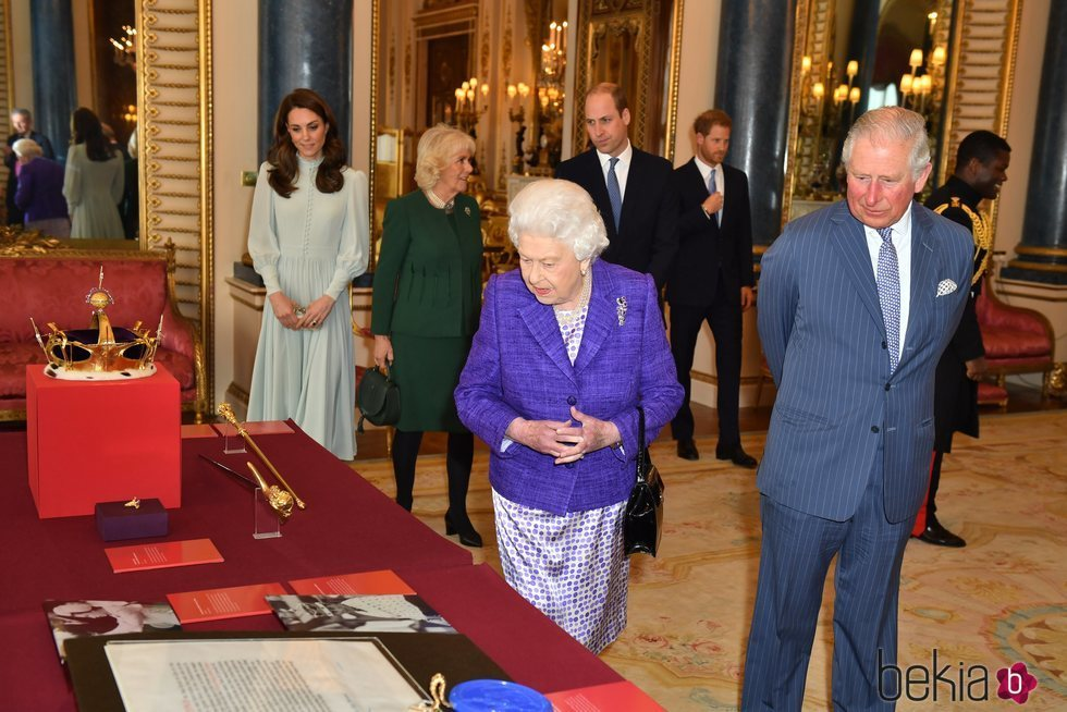 La Familia Real Británica en el 50 aniversario de la investidura del Príncipe Carlos como Príncipe de Gales