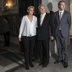 Carlos Zurita y sus hijos, Alfonso y María Zurita, en el 80 cumpleaños de la Infanta Margarita