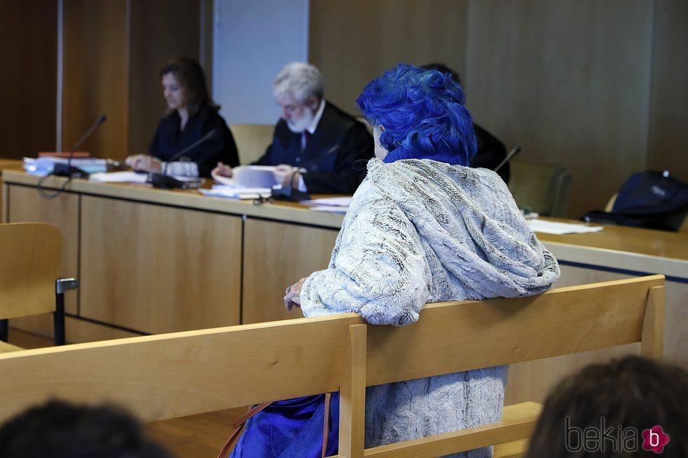 Lucía Bosé acudiendo al juicio por el dibujo de Picasso