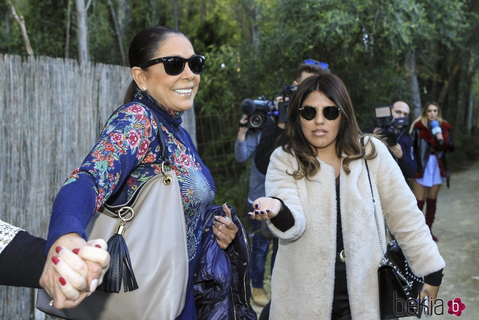 Isabel Pantoja y Chabelita Pantoja, juntas en el cumpleaños de Alberto Isla