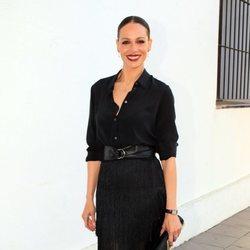Eva González llegando a un desfile de Cristo Ibáñez