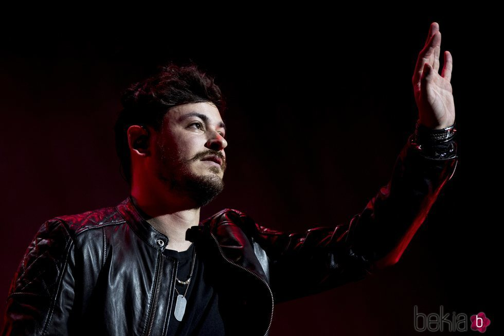 Cepeda cantando en su concierto de Madrid