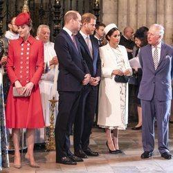 El Príncipe Carlos y Camilla Parker con los Duques de Cambridge y los Duques de Sussex en el Día de la Commonwealth 2019