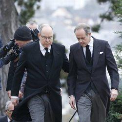 Alberto de Mónaco y Juan de Orleans en el funeral del Conde de París