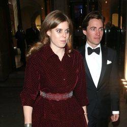 Beatriz de York y Edoardo Mapelli Mozzi en la National Portrait Gallery Gala