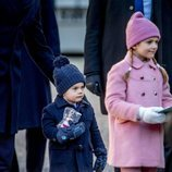 Estela y Oscar de Suecia en el Día del Nombre en honor a Victoria de Suecia