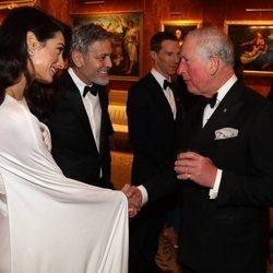 Los Clooney asisten como invitados de honor a la cena del Príncipe Carlos