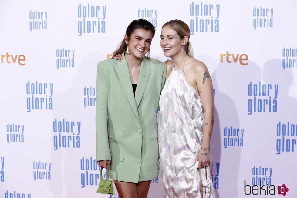 Amaia Romero y María Villar en la alfombra roja de 'Dolor y gloria'