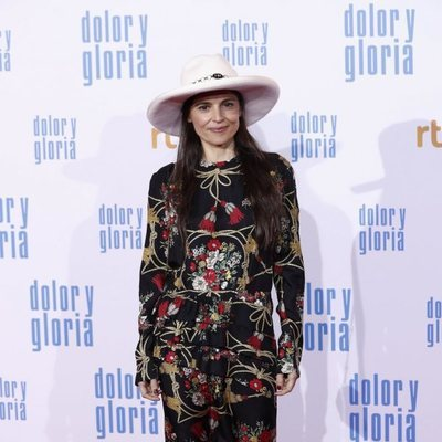Elena Anaya en la alfombra roja de 'Dolor y gloria'