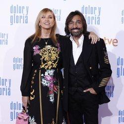Antonio Carmona y Mariola Orellana en la alfombra roja de 'Dolor y gloria'