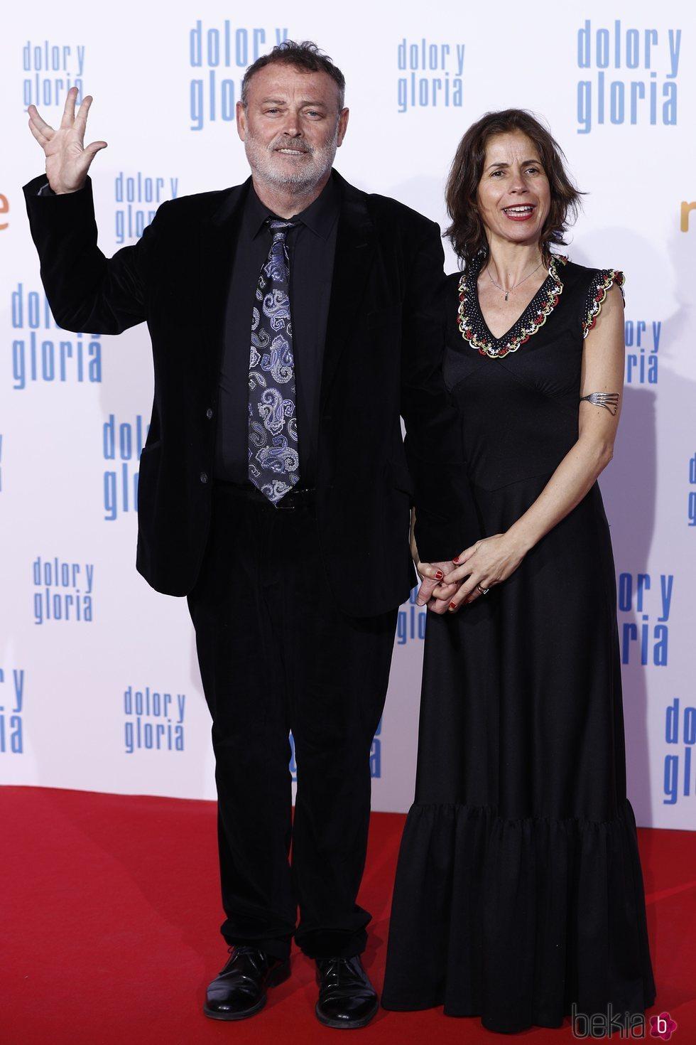 Pablo Carbonell y María Arellano  en la alfombra roja de 'Dolor y gloria'
