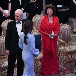 Silvia de Suecia dedica una mirada cómplice a Sofia Hellqvist en presencia de Carlos Gustavo de Suecia
