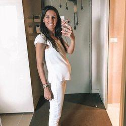 Ana Boyer presumiendo de su sexto mes de embarazo