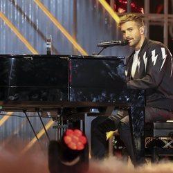 Pablo Alborán al piano en los Premios Dial 2019 en Tenerife