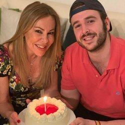 Ana Obregón celebrando su cumpleaños con su hijo Álex Lequio