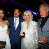 Camilla Parker con Lisa Parigi, Lionel Richie y Tom Jones en Barbados