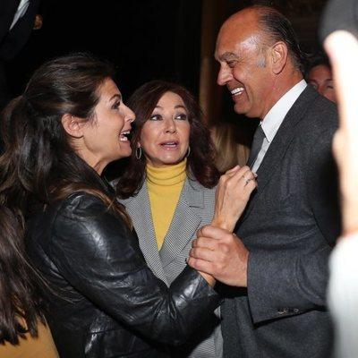 Ana Rosa Quintana con su marido Juan Muñoz y Nuria Roca en unos premios literarios