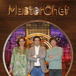 Samantha Vallejo-Nágera, Pepe Rodríguez y Jordi Cruz en la presentación de 'MasterChef 7'