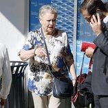 María Morales, la madre de Jorge Javier Vázquez, le visita en el hospital