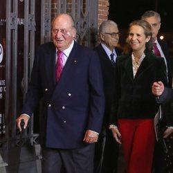 El Rey Juan Carlos y la Infanta Elena en la presentación de los carteles de la Feria de San Isidro 2019