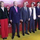 El Rey Juan Carlos, la Infanta Elena y sus hijos Froilán y Victoria Federica en la presentación de los carteles de la Feria de San Isidro 2019