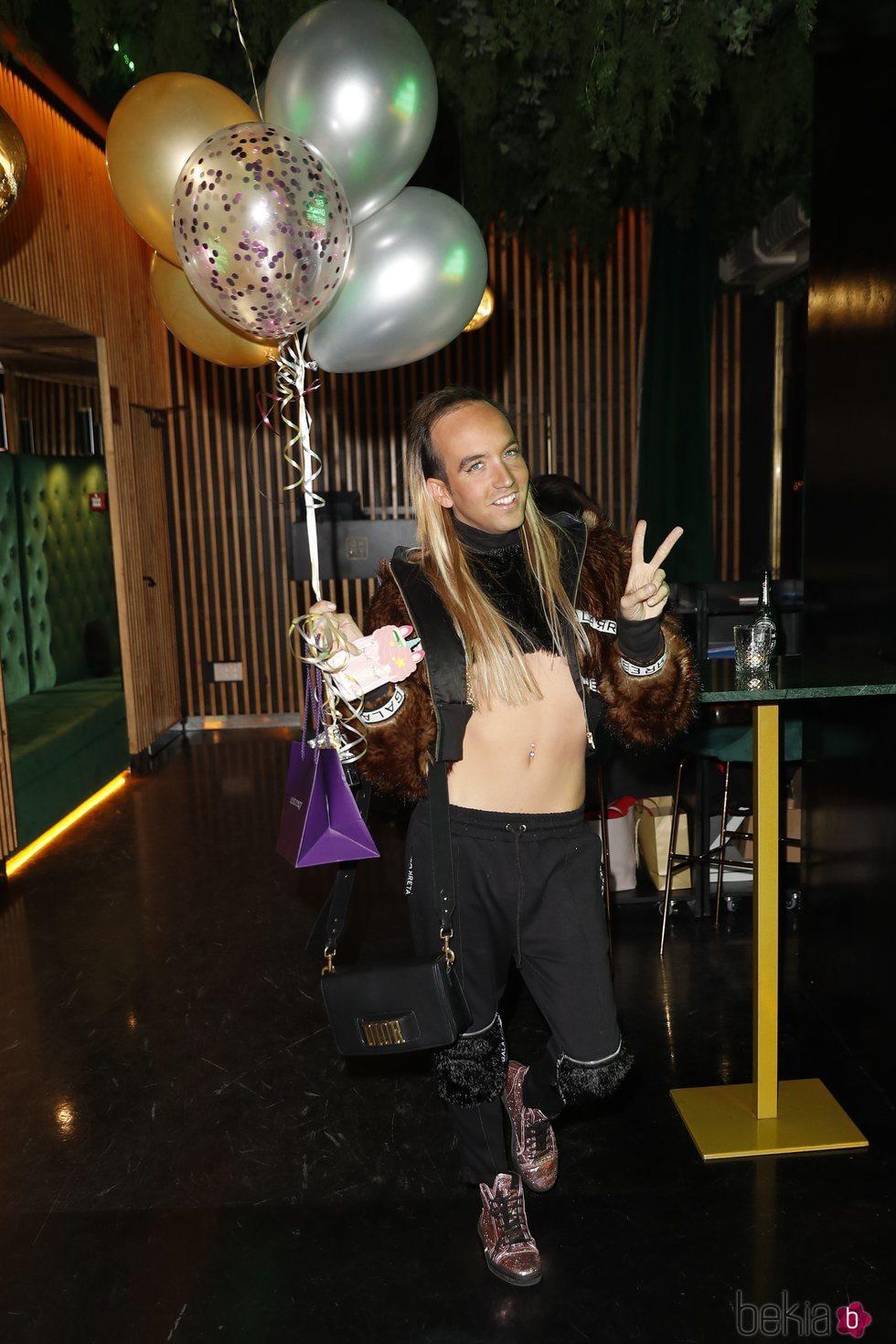 Aless Gibaja, uno de los invitados en la fiesta de cumpleaños de Alejandra Rubio