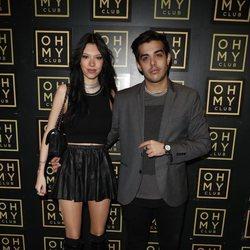 Alejandra Rubio y su novio, Álvaro Lobo, en el photocall de su cumpleaños