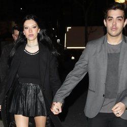 Alejandra Rubio con su novio Álvaro Lobo en su 19 cumpleaños