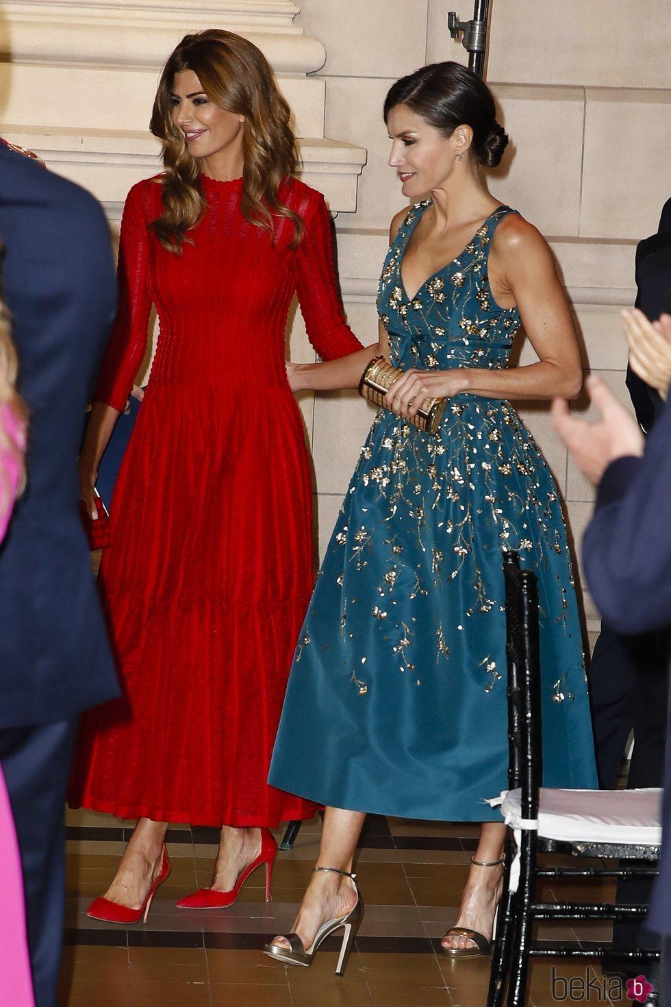 La Reina Letizia y Juliana Awada en la cena de gala por el Viaje de Estado de los Reyes Felipe y Letizia a Argentina