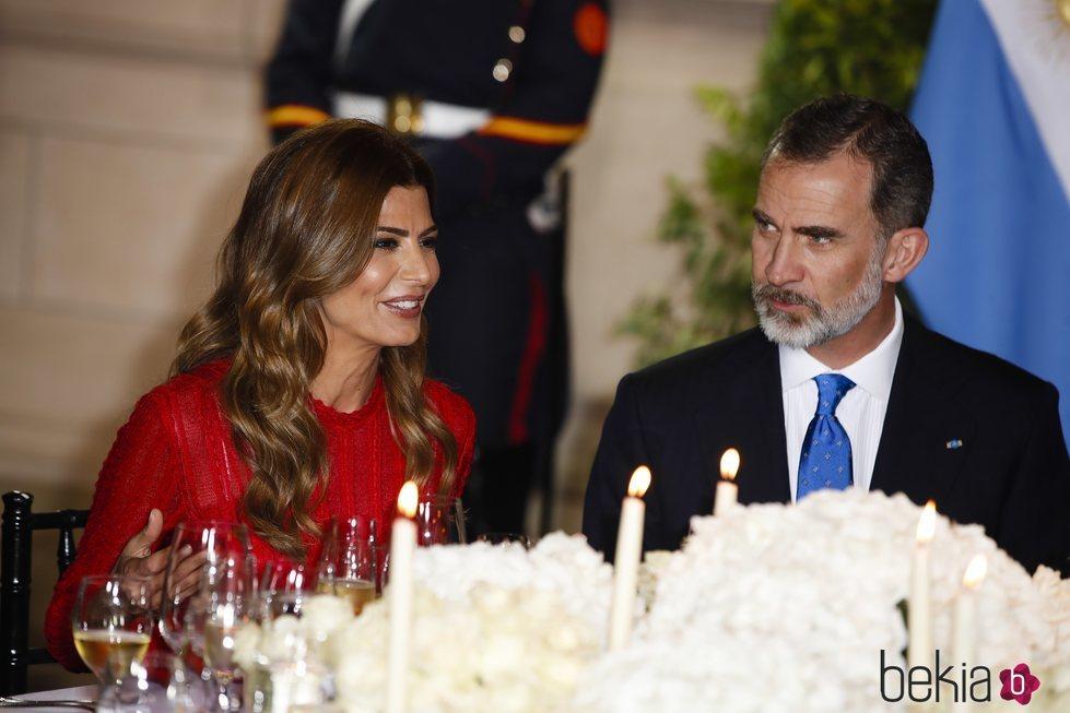 El Rey Felipe y Juliana Awada en la cena de gala por el Viaje de Estado de los Reyes Felipe y Letizia a Argentina