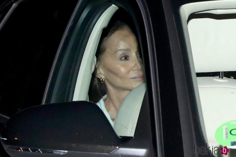 Isabel Preysler yendo a ver a su nieto, hijo de Ana Boyer y Fernando Verdasco