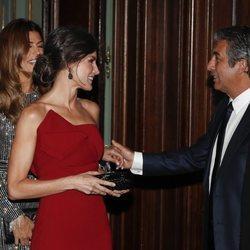 La Reina Letizia junto a Ricardo Darín en la cena de honor al Presidente Macri durante el Viaje de Estado de los Reyes Felipe VI y Letizia a Argentina