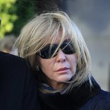 Norma Duval destrozada en el entierro de Carla Duval