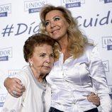 Norma Duval junto a su madre en el Día del Cuidador 2016