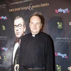 El Padre Apeles acudiendo a un estreno
