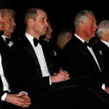 El Príncipe Carlos con sus hijos Guillermo y Harry en el estreno de 'Our Planet'