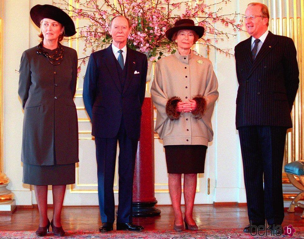 Los Grandes Duques Juan y Josefina Carlota de Luxemburgo con los Reyes Alberto y Paola de Bélgica
