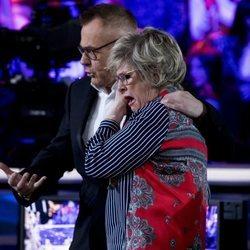 Jordi González consolando a Juani en la primera parte de la final de 'GH DÚO'