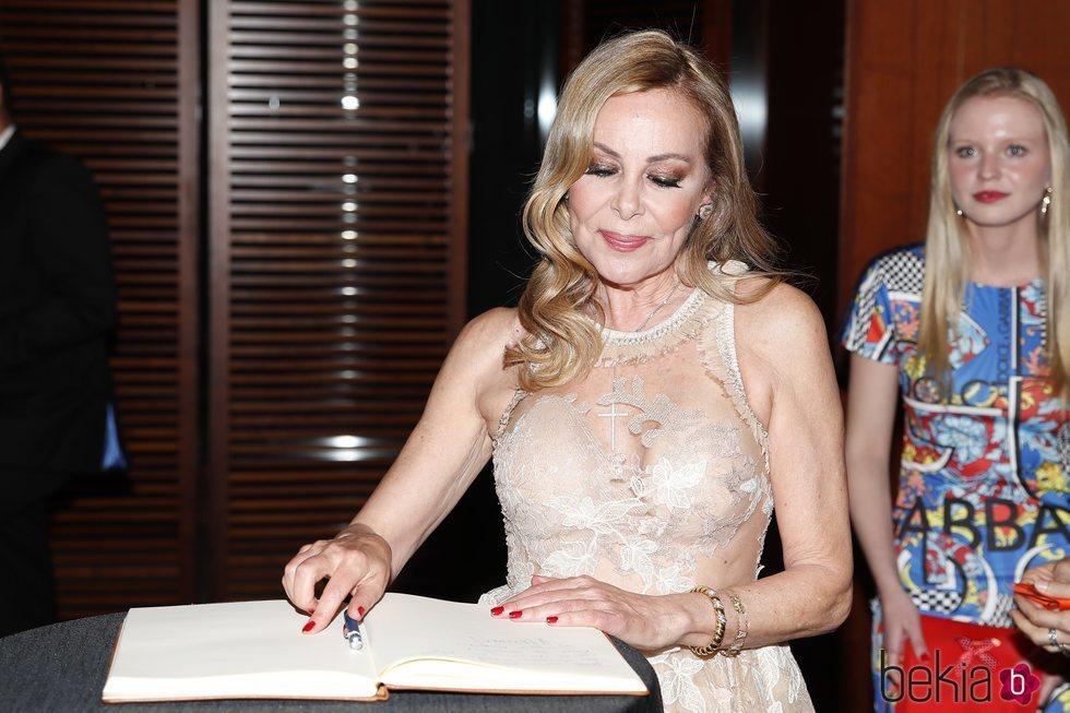Ana Obregón tras recibir su Premio Naranja 2019