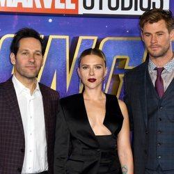 Paul Rudd, Scarlett Johansson y Chris Hemsworth en la premiere de 'Los Vengadores: Endgame'