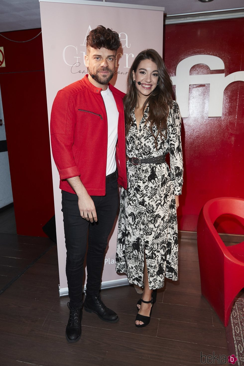 Ana Guerra y Ricky Merino en la presentación de su libro 'Con una sonrisa'