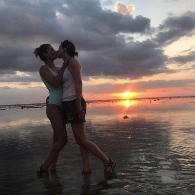 Sandra Barneda comparte una fotografía de un beso con Nagore Robles